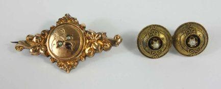 2 Broschen, Jugendstil, Doublé und Silber, florale Doublé-Brosche mit 2 kleinen Flußperlen und