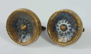 Paar Manschettenknöpfe aus Messing, rückseitig mit festem Steg, vorderer D.2,2cm- - -18.00 % buyer's