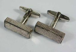 Paar eckige Maschettenknöpfe, 925er Silber, ungedeutete Herstellerpunze, Gew.23,10g, geriffeltes