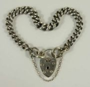 silbernes Armband mit Herzschloss, England, Gew.18,13g, Rundpanzer, Federringschließe mit