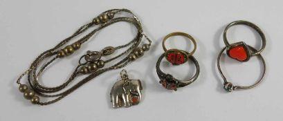 Konvolut Kinderschmuck, Silberschmuck, Gesamt-Gew.4,95g: Elefant-Anhänger; Ring, U.53; Kette, L.