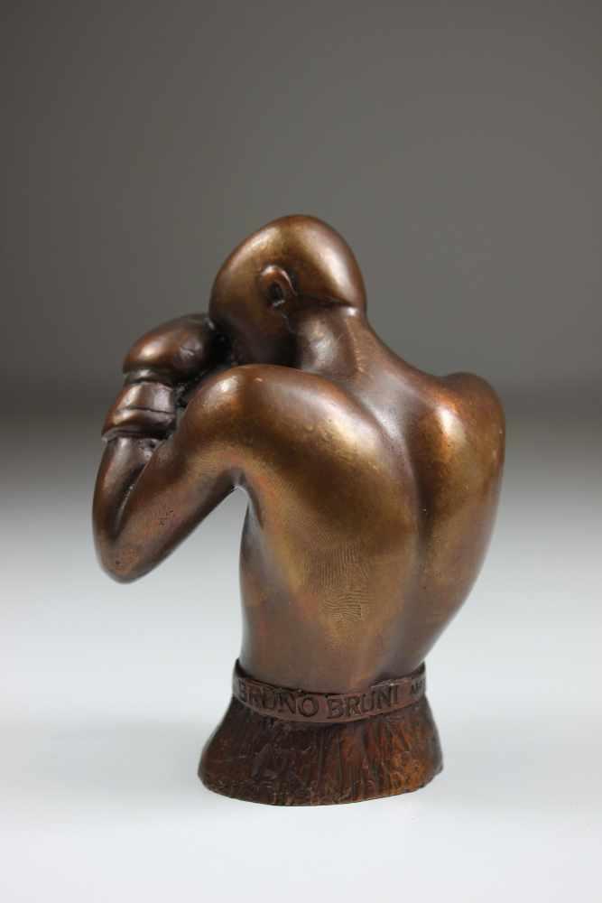 Lot 24 - Flacon von Bruno Bruni (geb. 1935 Gradara, Italien, Maler, Grafiker, Bildhauer), Clinch - Hommage an
