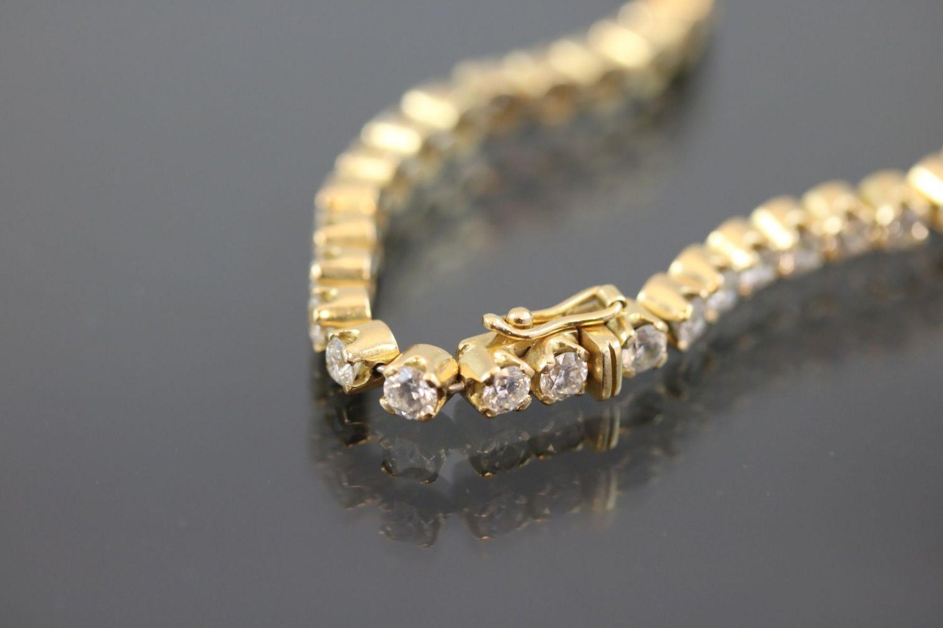Los 6 - Brillant-Armband, 750 Gelbgold16,9 Gramm Brillanten, 5 ct., w/si. Länge: 19 cm