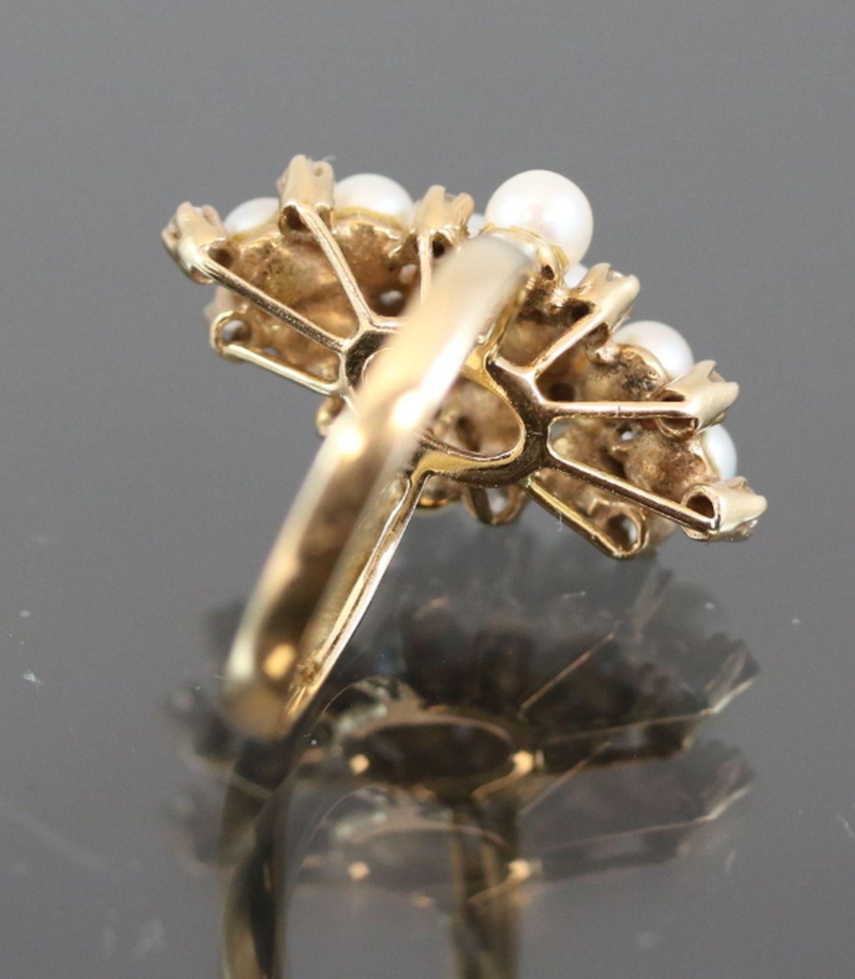 Los 60 - Perl-Diamant-Ring, 585 Gelbgold3,8 Gramm 14 Diamanten, 0,14 ct., w/p1. Ringgröße: 50Schätzpreis: