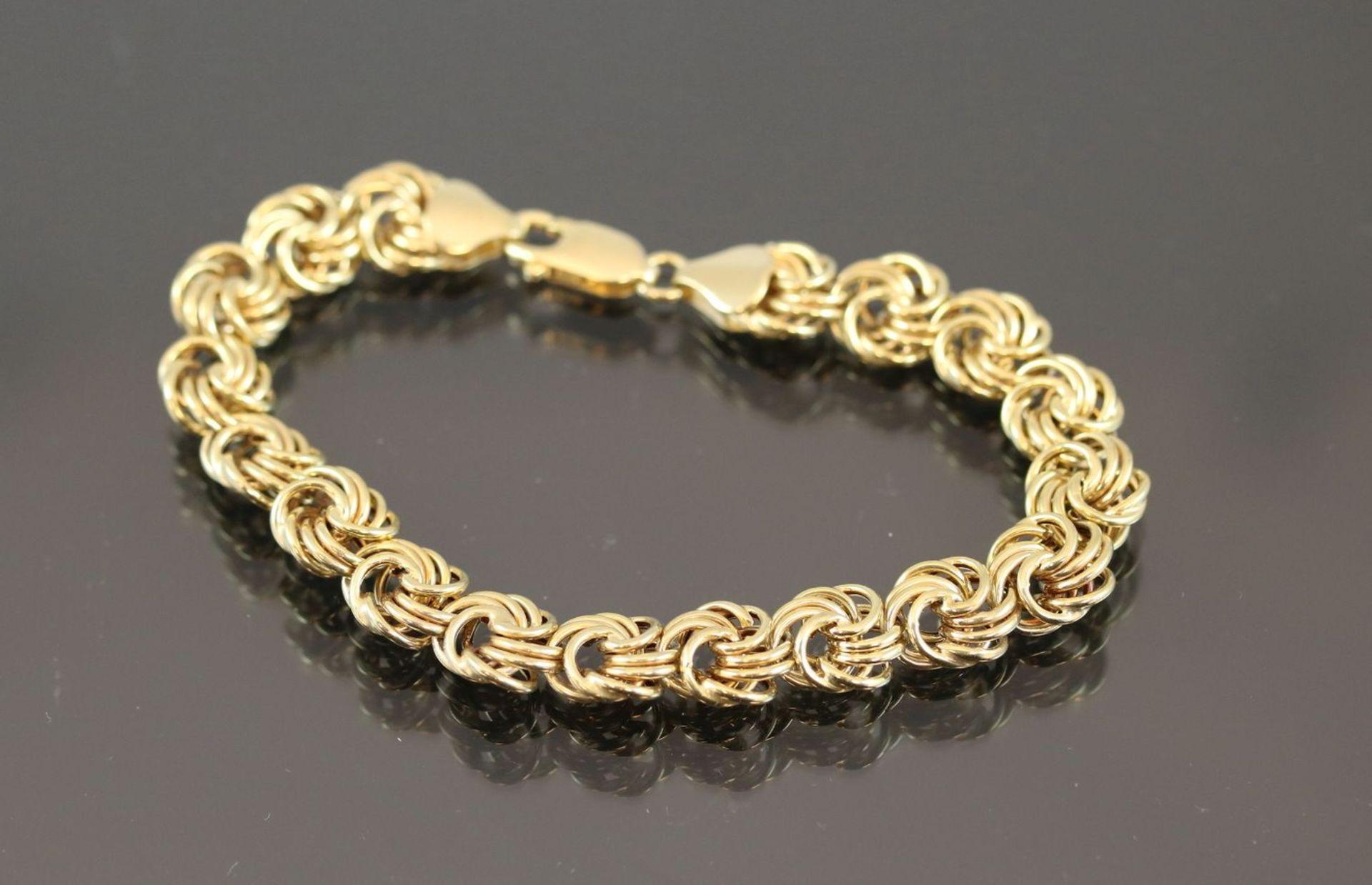 Los 46 - Armband, 333 Gelbgold6,9 Gramm Länge: 18 cm Schätzpreis: 500,-