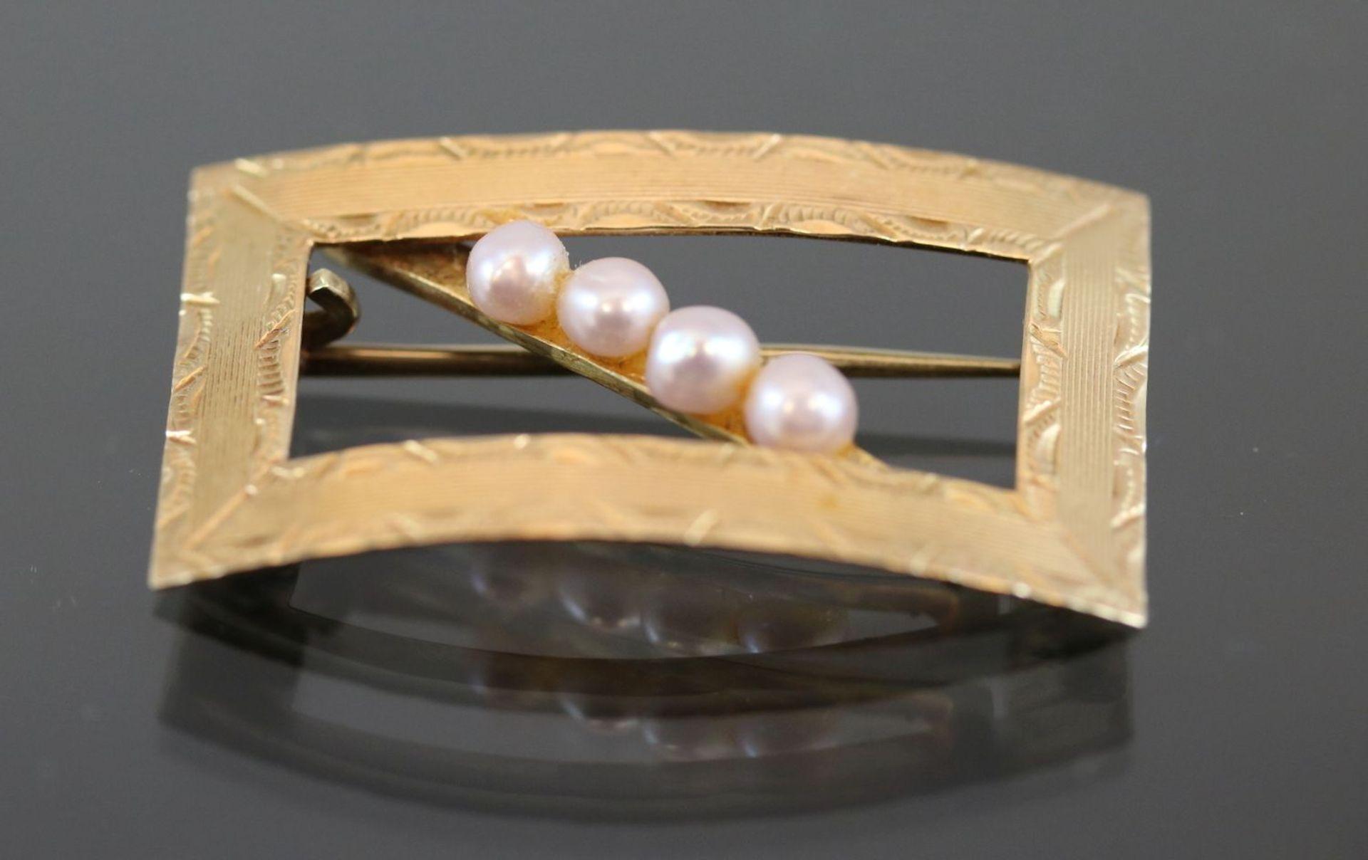 Perlen-Brosche, 585 Gold4,5 Gramm