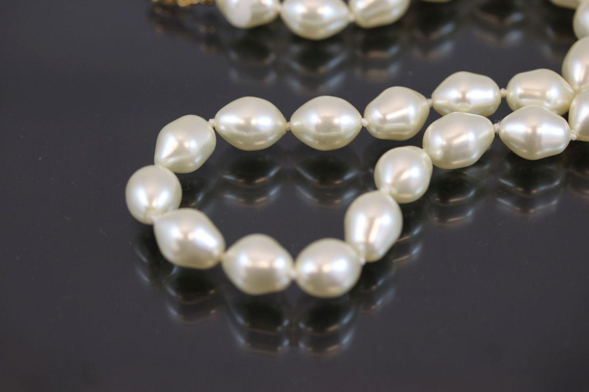 Los 40 - Perlenkette, Verschluß Metall vergoldetLänge: 47 cm
