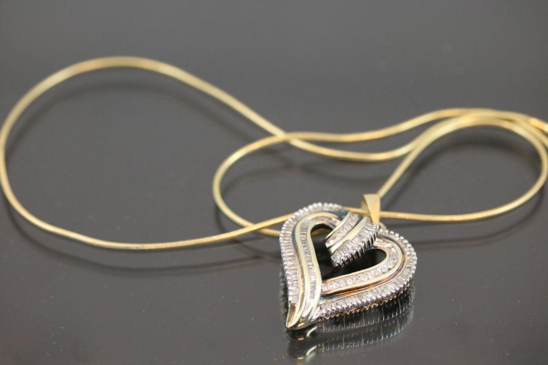 Los 42 - Diamant-Herz, 925 Silber vergoldet5 Gramm Diamantbaquette, 1 ct., tc/p2.