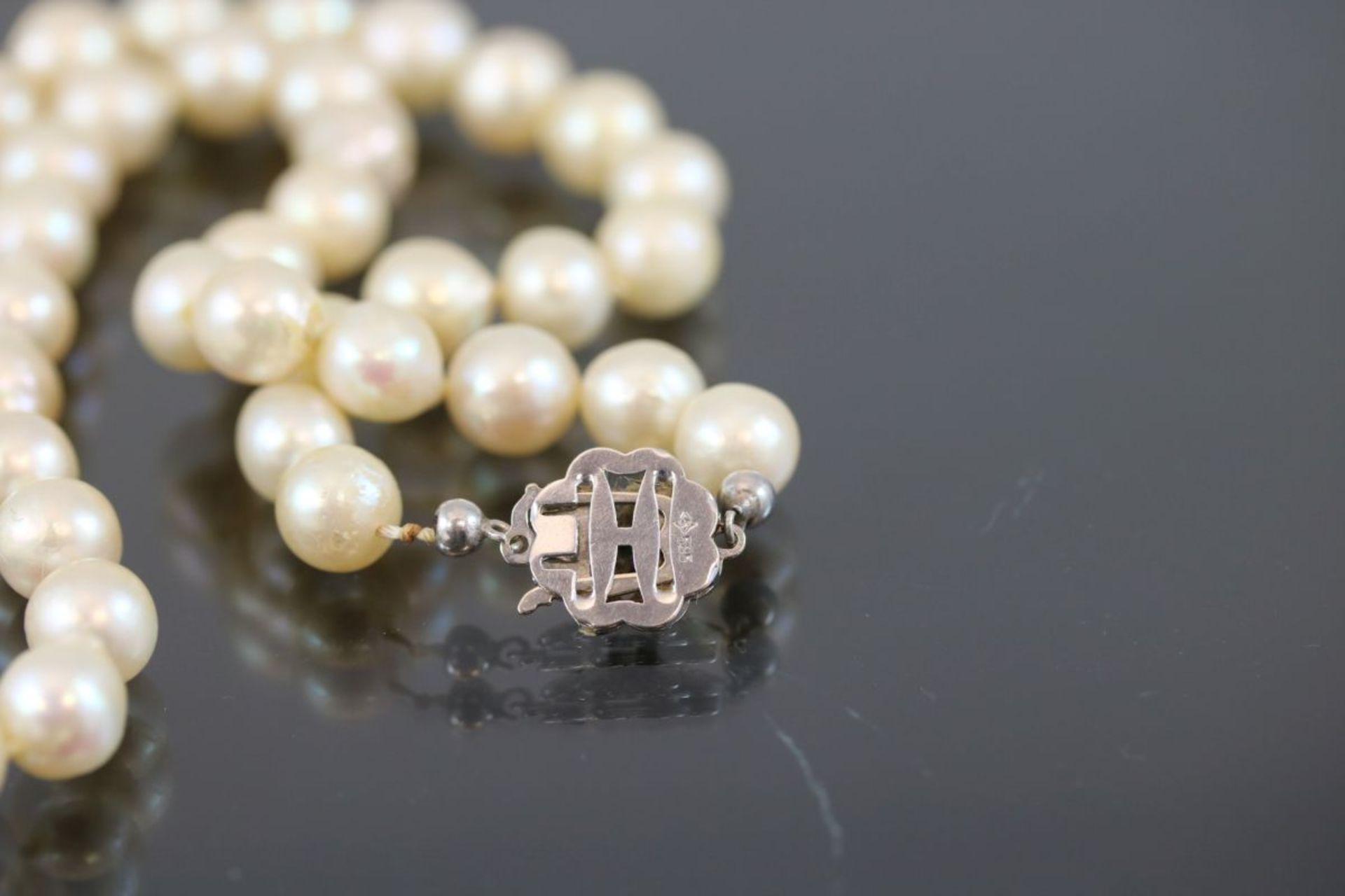 Perlkette, 585 Weißgold48 Gramm Süßwasserperlen, Länge: 45 cm Schätzpreis: 600,- - Bild 3 aus 3