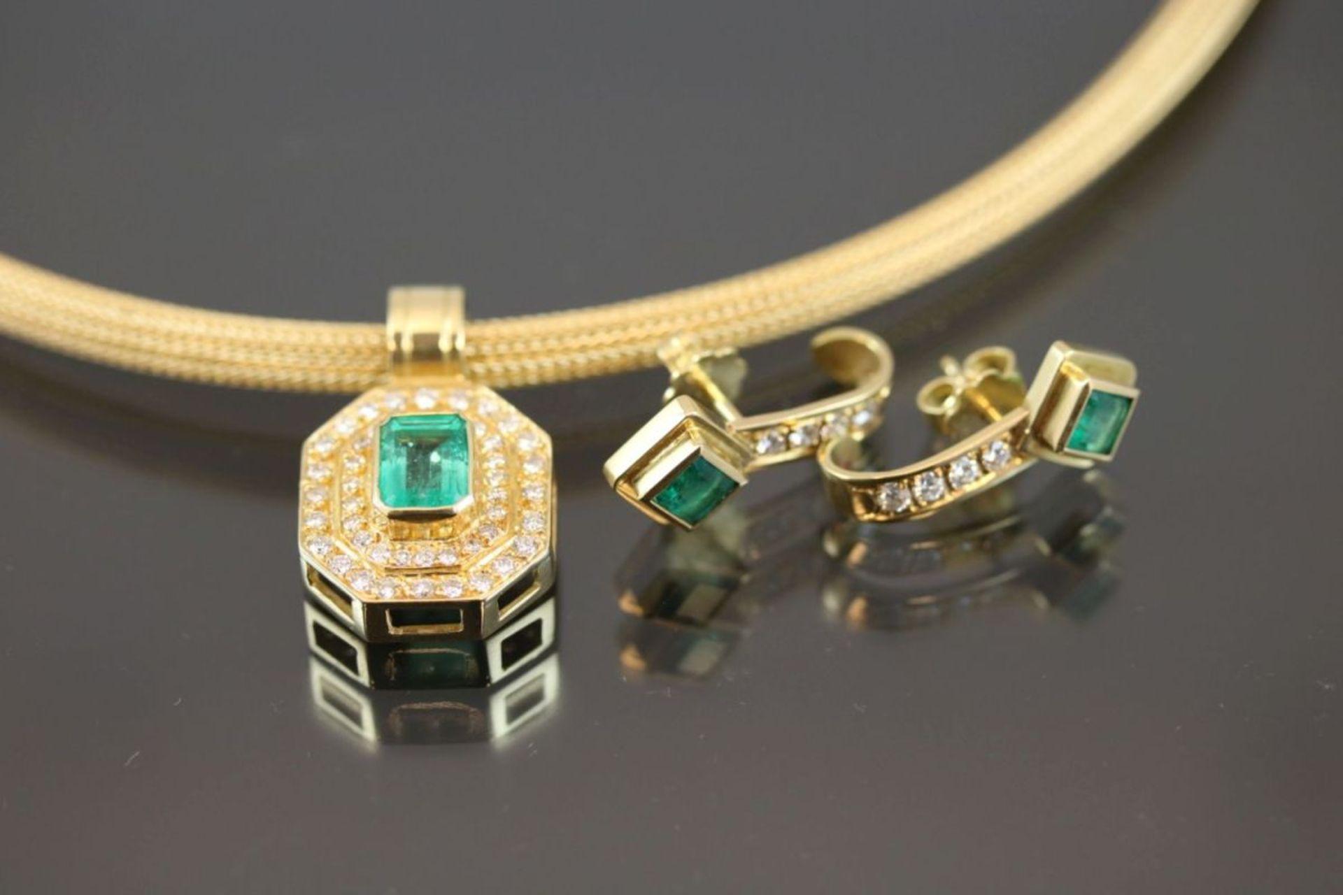 Smaragd-Brillant-Set, 750 Gelbgold34,9 Gramm Brillanten, 1,14 ct., tw/vvsi. Set besteht aus einem