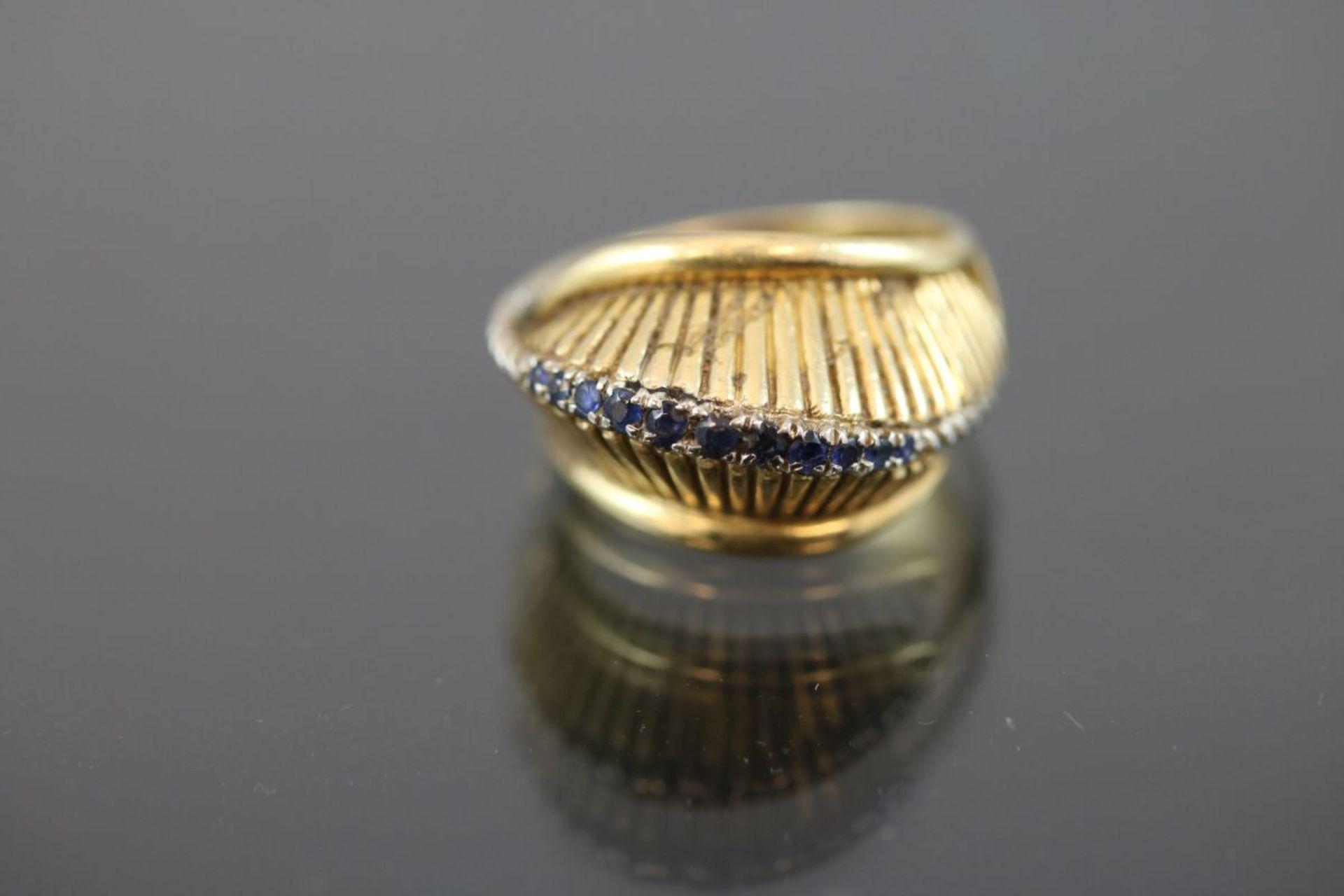 Saphir-Ring, 750 Gelbgold9,2 Gramm Ringgröße: 52Schätzpreis: 700,-