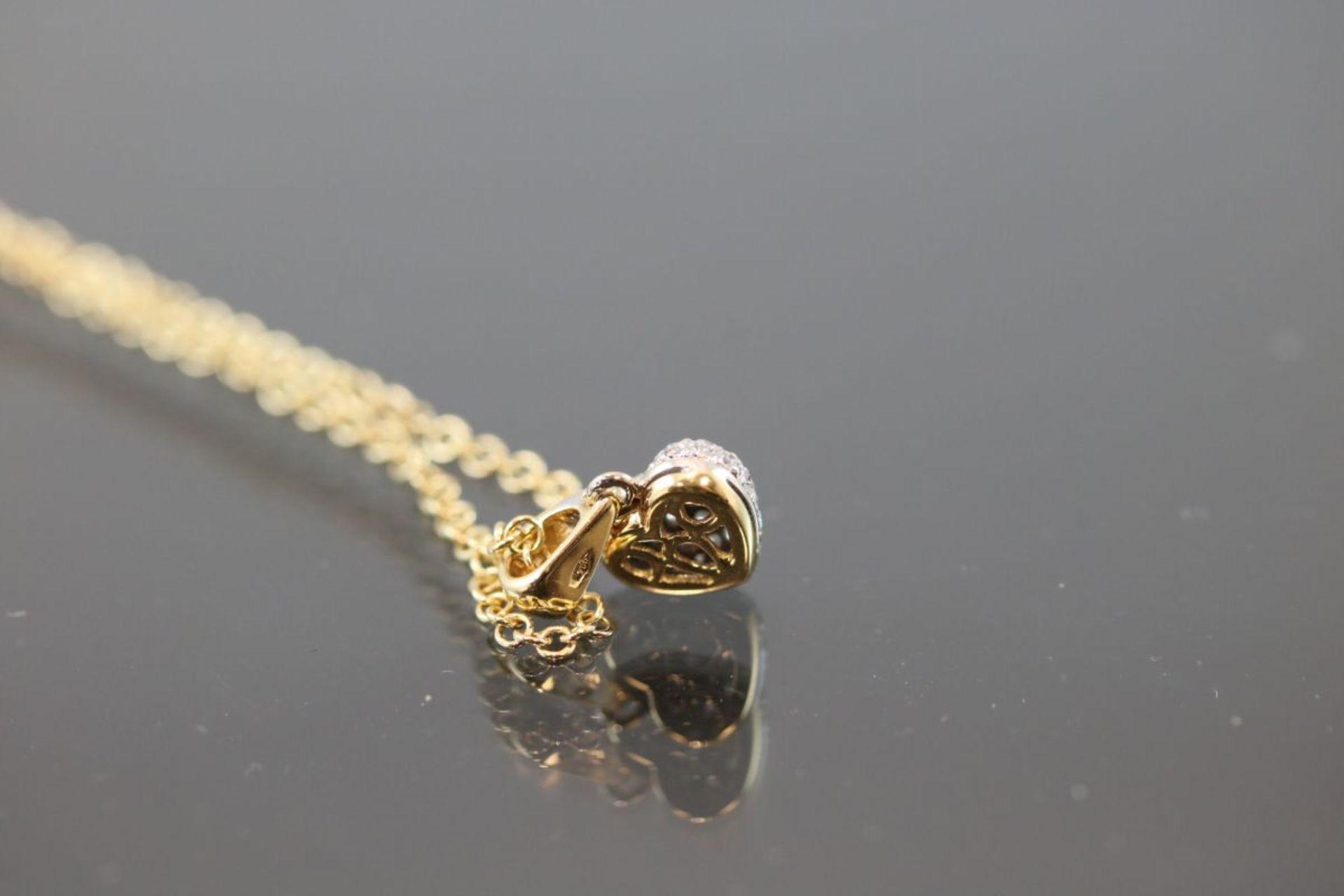 Brillant-Herzanhänger mit Kette, 750 Gold5,2 Gramm Länge: 42 cm Schätzpreis: 2400,- - Bild 3 aus 3