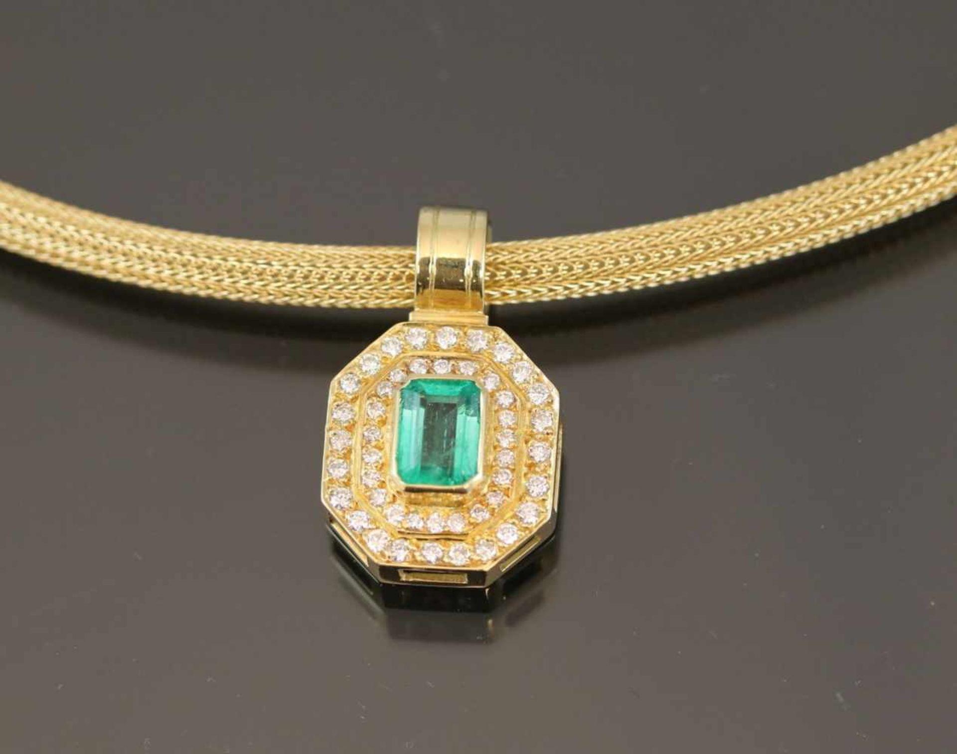 Smaragd-Brillant-Set, 750 Gelbgold34,9 Gramm Brillanten, 1,14 ct., tw/vvsi. Set besteht aus einem - Bild 4 aus 7