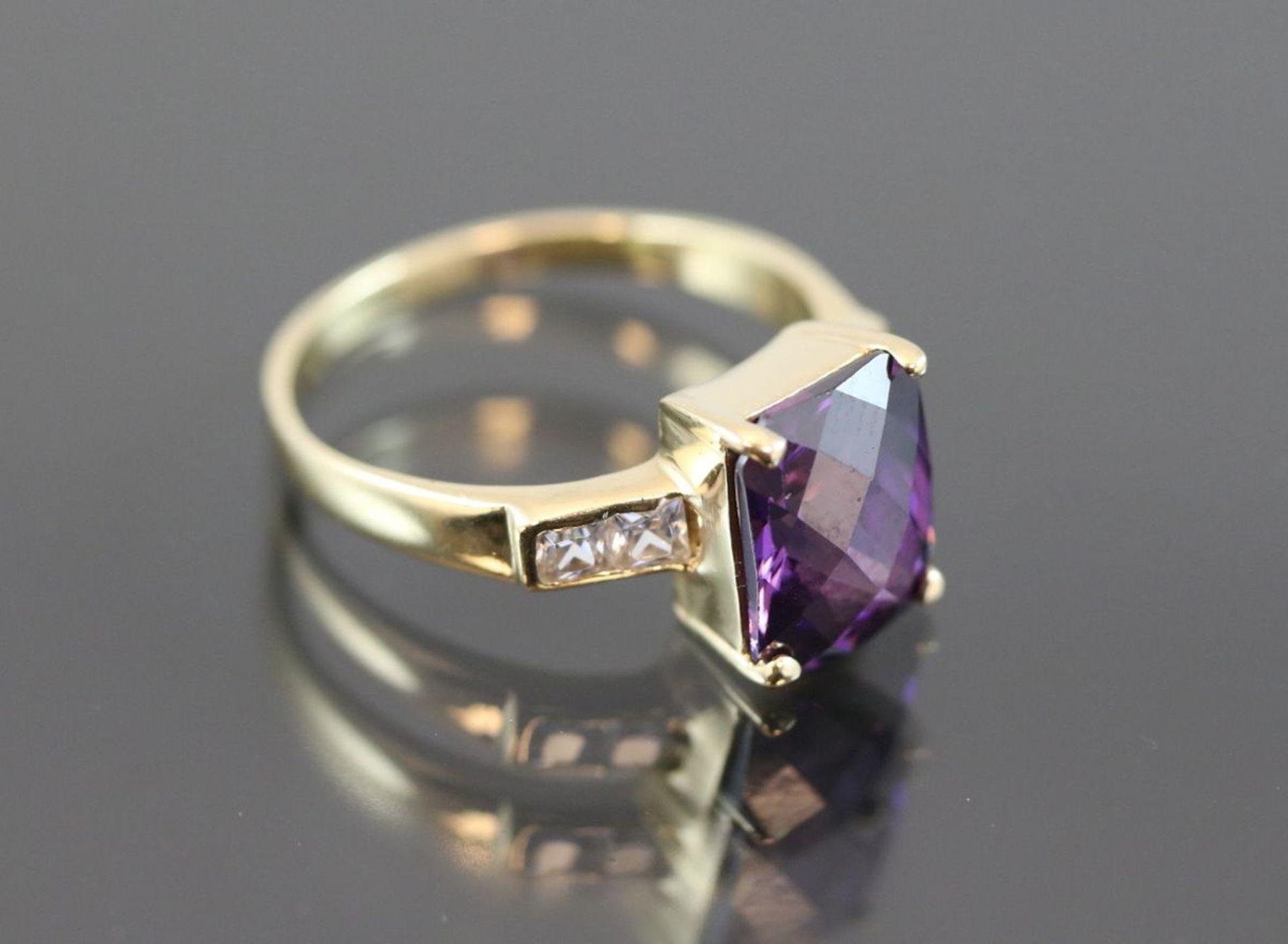 Amethyst-Ring, 585 Gold4,4 Gramm Ringgröße: 56Schätzpreis: 800,- - Bild 3 aus 3