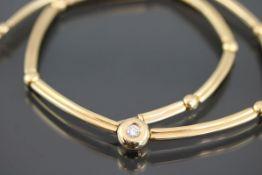 Brillant-Collier, 750 Gelbgold24,5 Gramm 1 Brillant, 0,25 ct., w/si. Länge: 38 cm Schätzpreis: