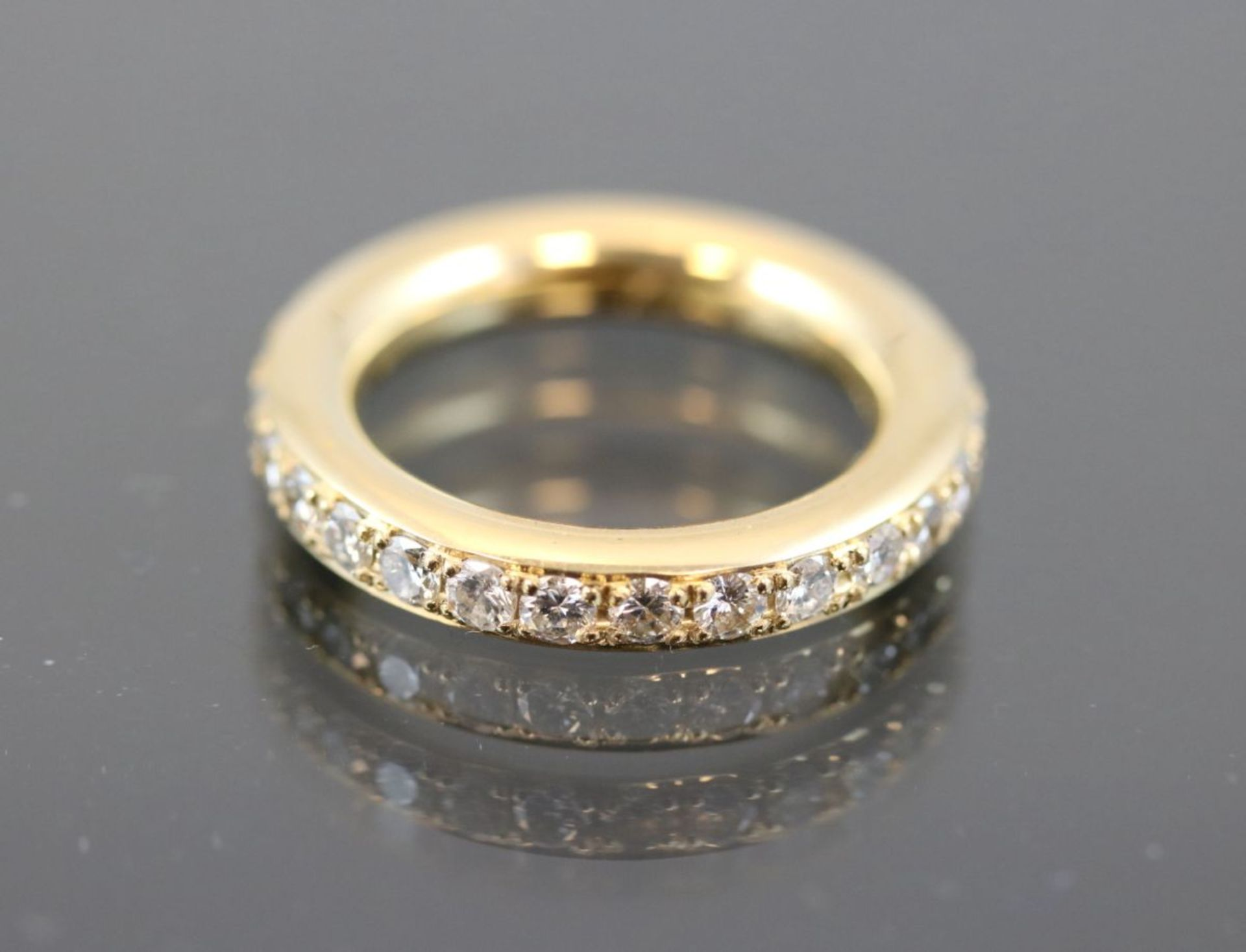 Brillant-Ring, 750 Gelbgold10,3 Gramm Brillanten, 1,57 ct., w/si. Ringgröße: 54Zustand: Neuwertig/
