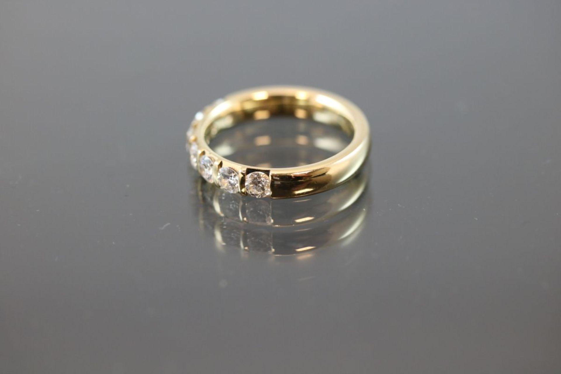 Brillant-Ring, 750 Gold6 Gramm 7 Brillanten, 0,98 ct., tw/vsi. Ringgröße: 55Schätzpreis: 3500,- - Bild 2 aus 3