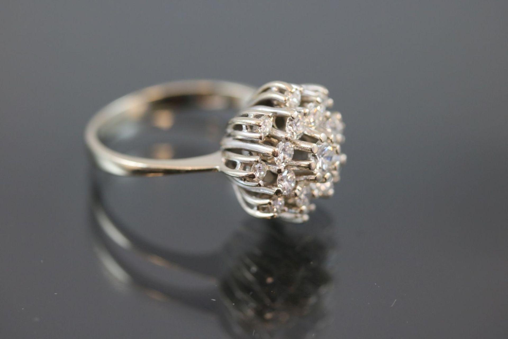 Brillant-Ring, 585 Weißgold5,3 Gramm 17 Brillanten, 1 ct., w/si. Ringgröße: 57Schätzpreis: 2500,- - Bild 3 aus 3
