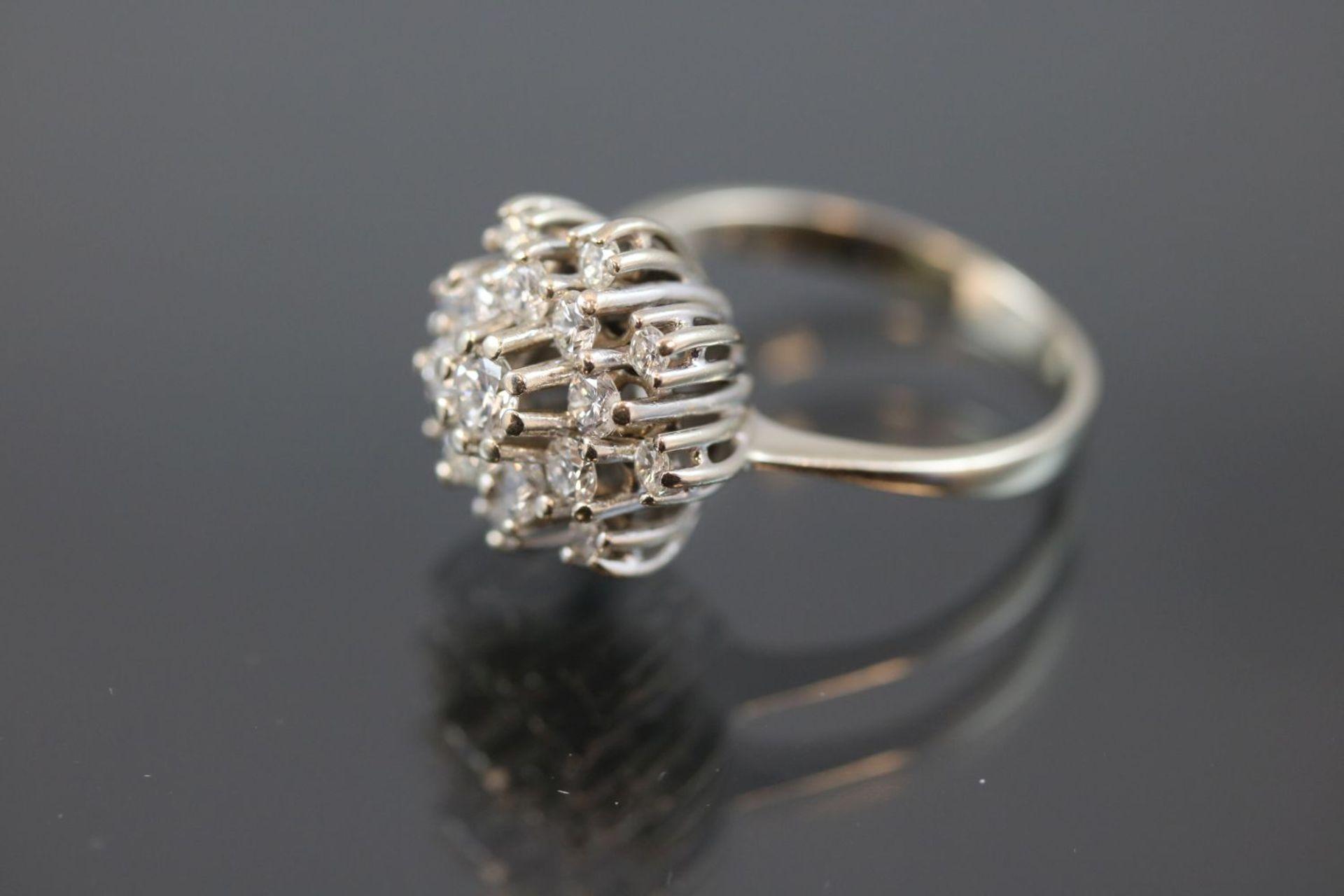 Brillant-Ring, 585 Weißgold5,3 Gramm 17 Brillanten, 1 ct., w/si. Ringgröße: 57Schätzpreis: 2500,- - Bild 2 aus 3