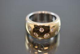 Brillant-Ring, 750 Weißgold17,7 Gramm 7 Brillanten, ca.0,40 ct., w/si. Ringgröße: 55Schätzpreis: