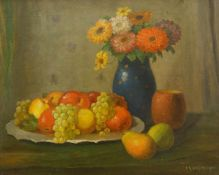 Krüger, Wilhelm (1860 Berlin, tätig ebd.)Stillleben mit Früchten und Blumen. Öl auf Malkarton. 47