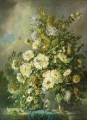 Fuhrmann, Max d. Ä. (1860 München - 1908 ebd.)Opulentes Blumenstillleben mit Vögeln und