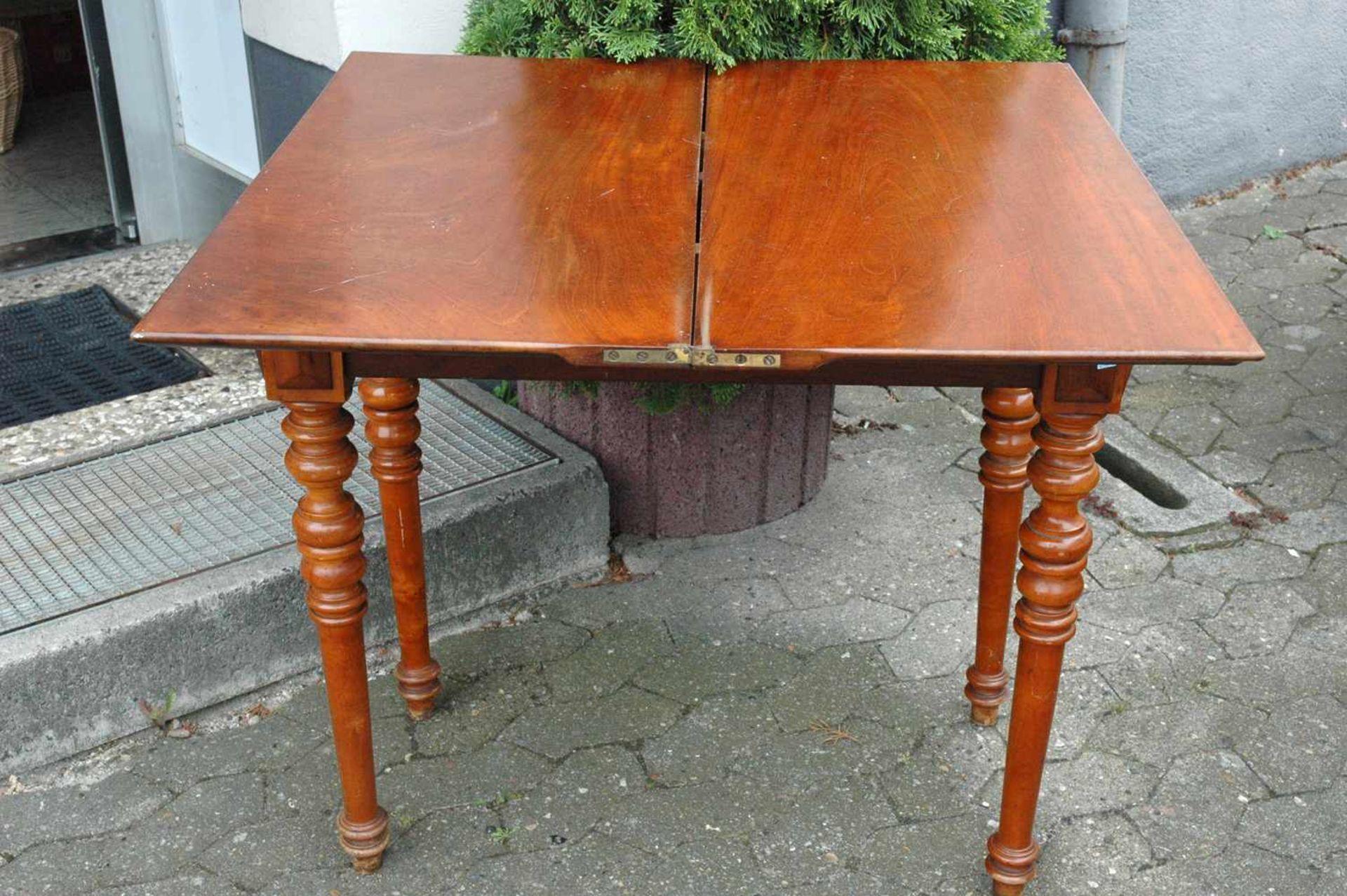 Spieltisch, Gründerzeit, Platte mit leichten Schäden, h= 76 cm - Bild 3 aus 5