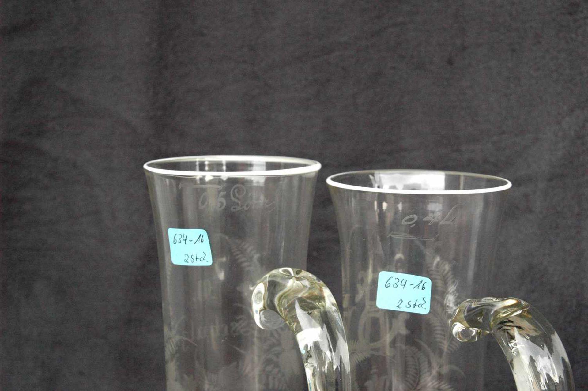 Biedermeier-Glas: zwei Biergläser mit Griffen, geschliffene Blattranken.1= 0,5 l, W. Schulze, h= - Bild 3 aus 4