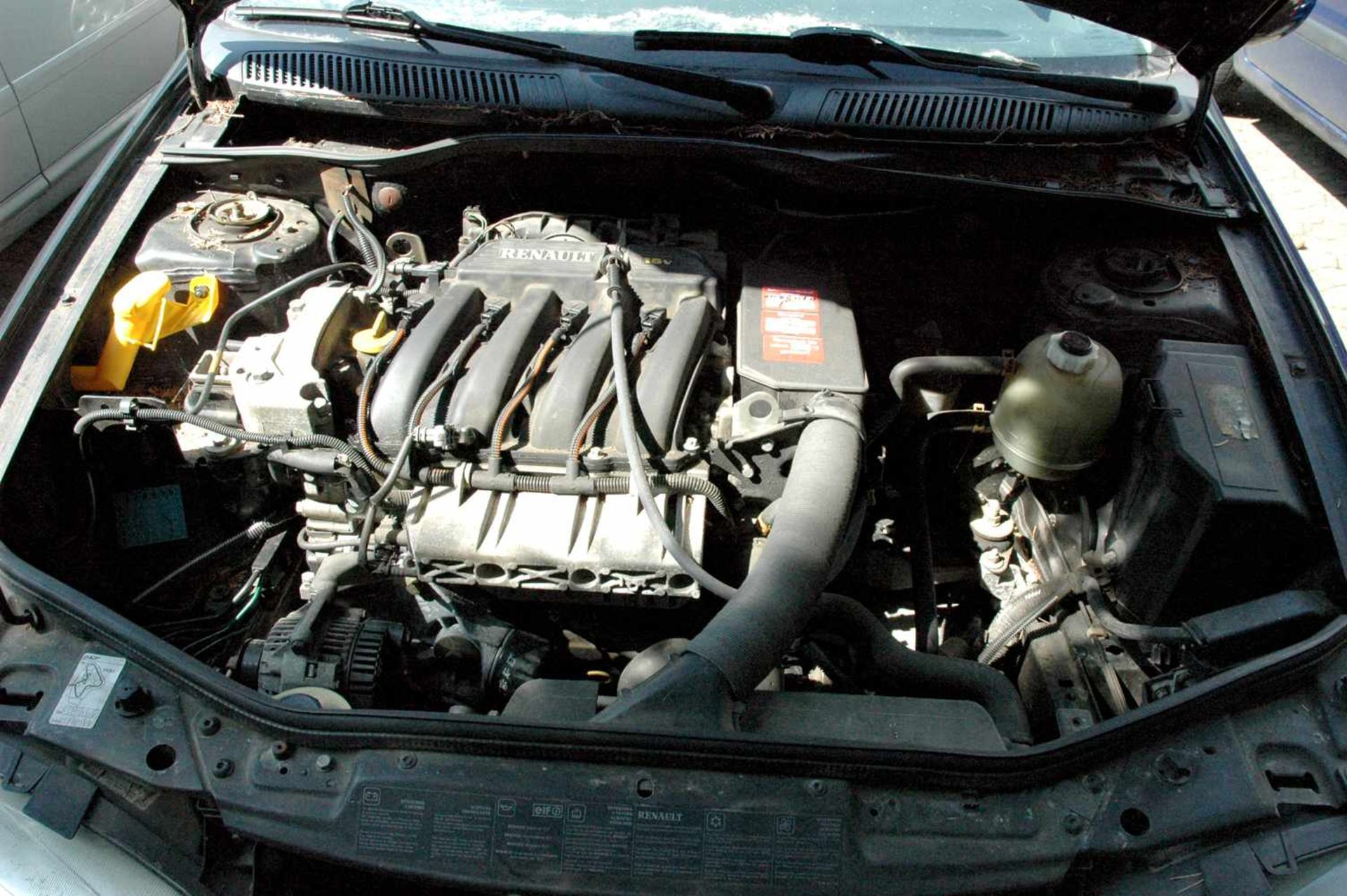 PKW, Renault Megane, EZ 06/99, schwarz - Bild 7 aus 10