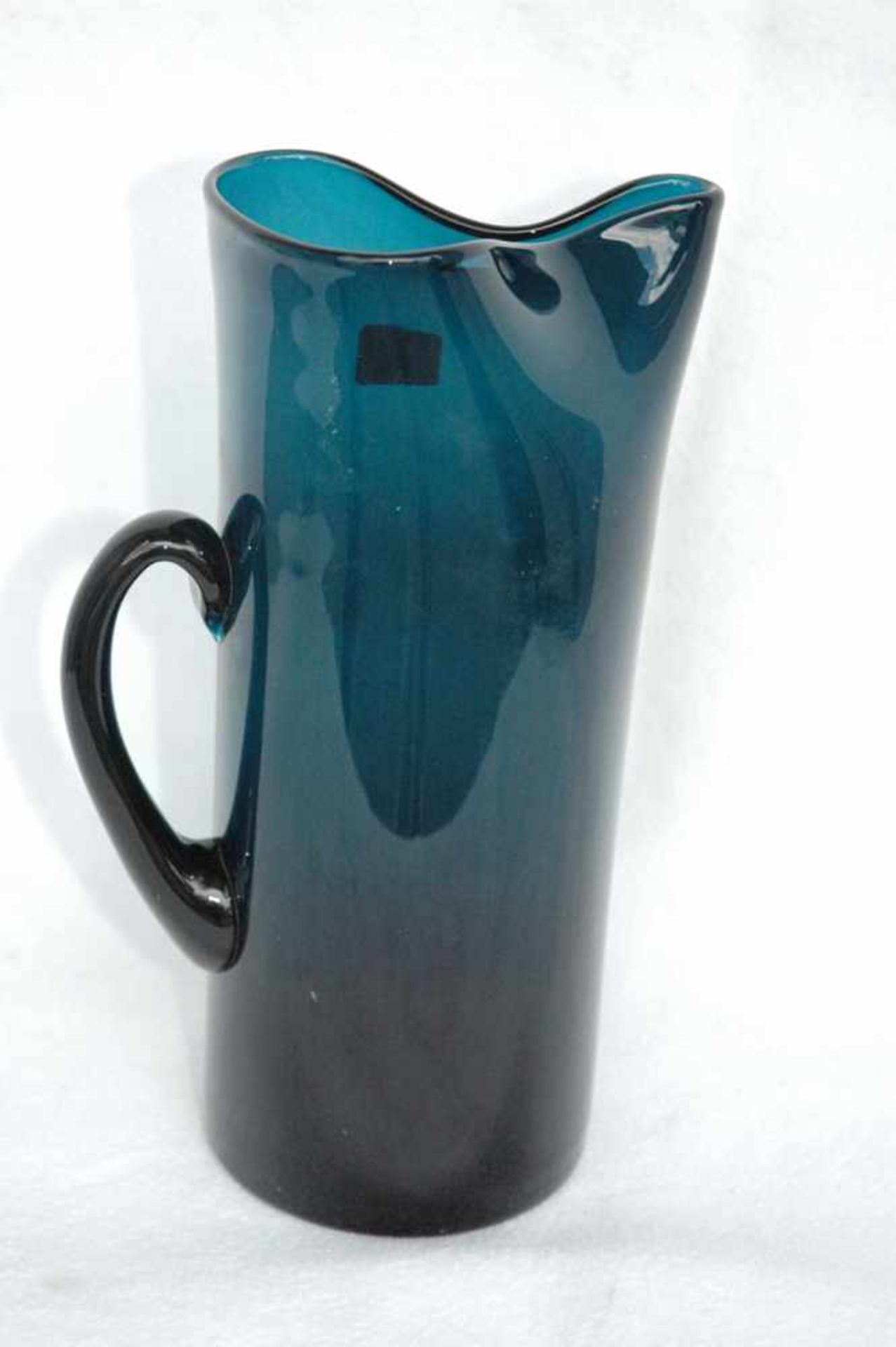 Blaue Glaskanne, Abriß ausgeschliffen, Günche gedrückte Form, h= 25 cm - Bild 2 aus 4