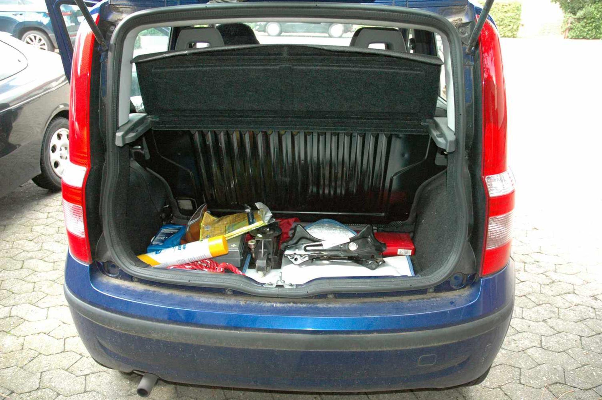 PKW, Fiat Panda, EZ 01.04.09, 40 kW, km-Stand: 130965m blau, TÜV 9/20, Benziner, Brief nicht - Bild 8 aus 9