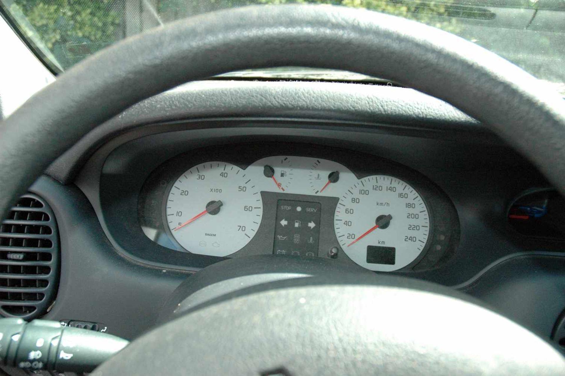 PKW, Renault Megane, EZ 06/99, schwarz - Bild 6 aus 10