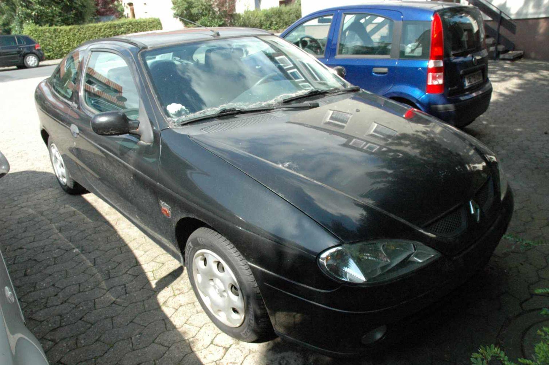 PKW, Renault Megane, EZ 06/99, schwarz - Bild 2 aus 10