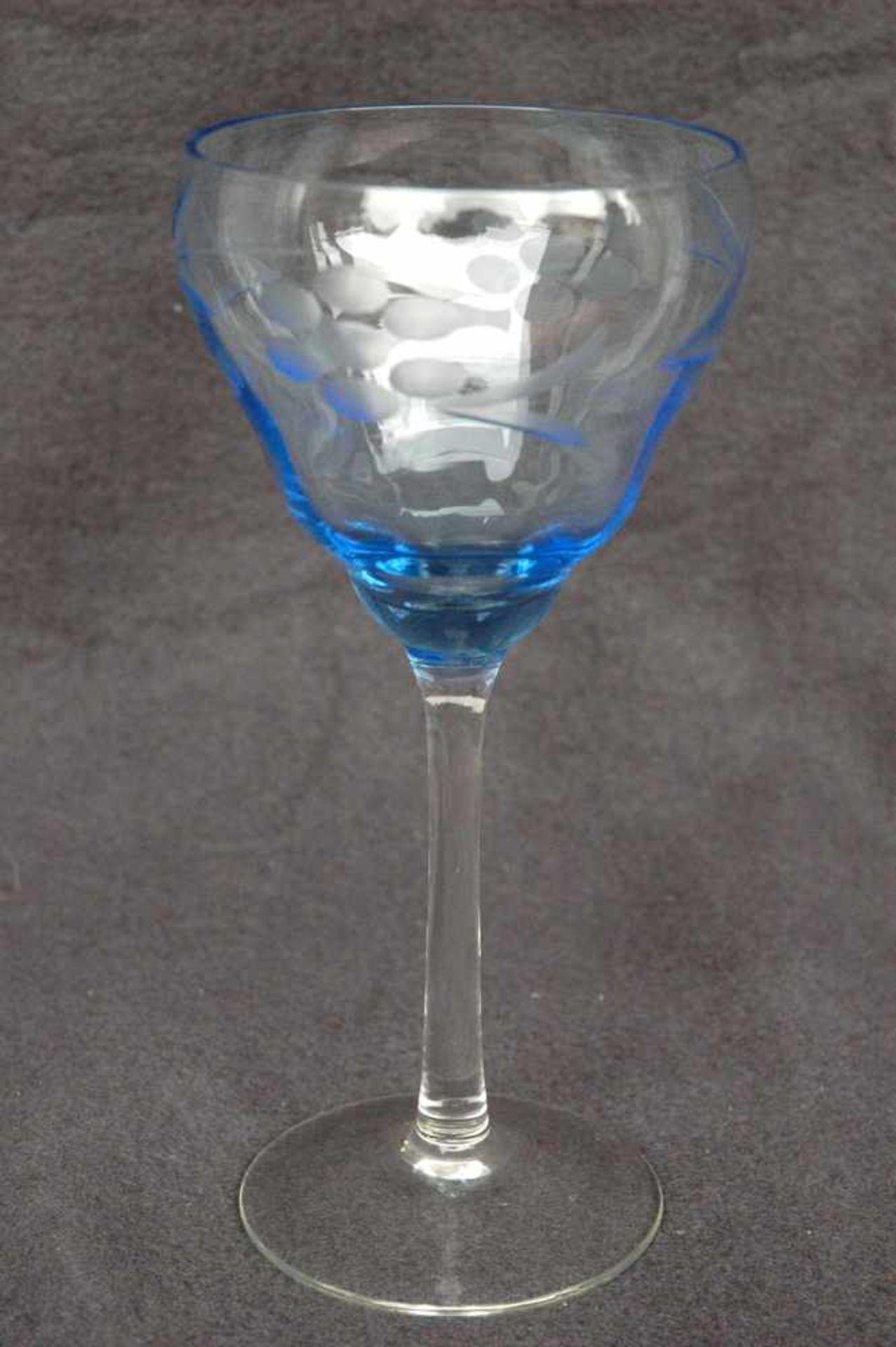 Weinglas, 20er Jahre, geätzt und geschliffen, Kelch blau