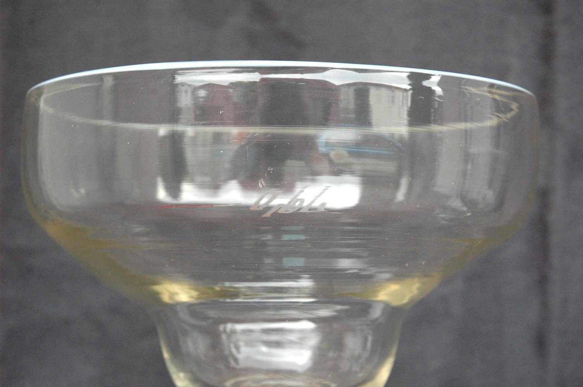 Biedermeier-Glas: Fußschale mit weißem Emaille-Rand,h= 23,5 cm, Dm. Kelch= 18,5 cm - Bild 3 aus 4