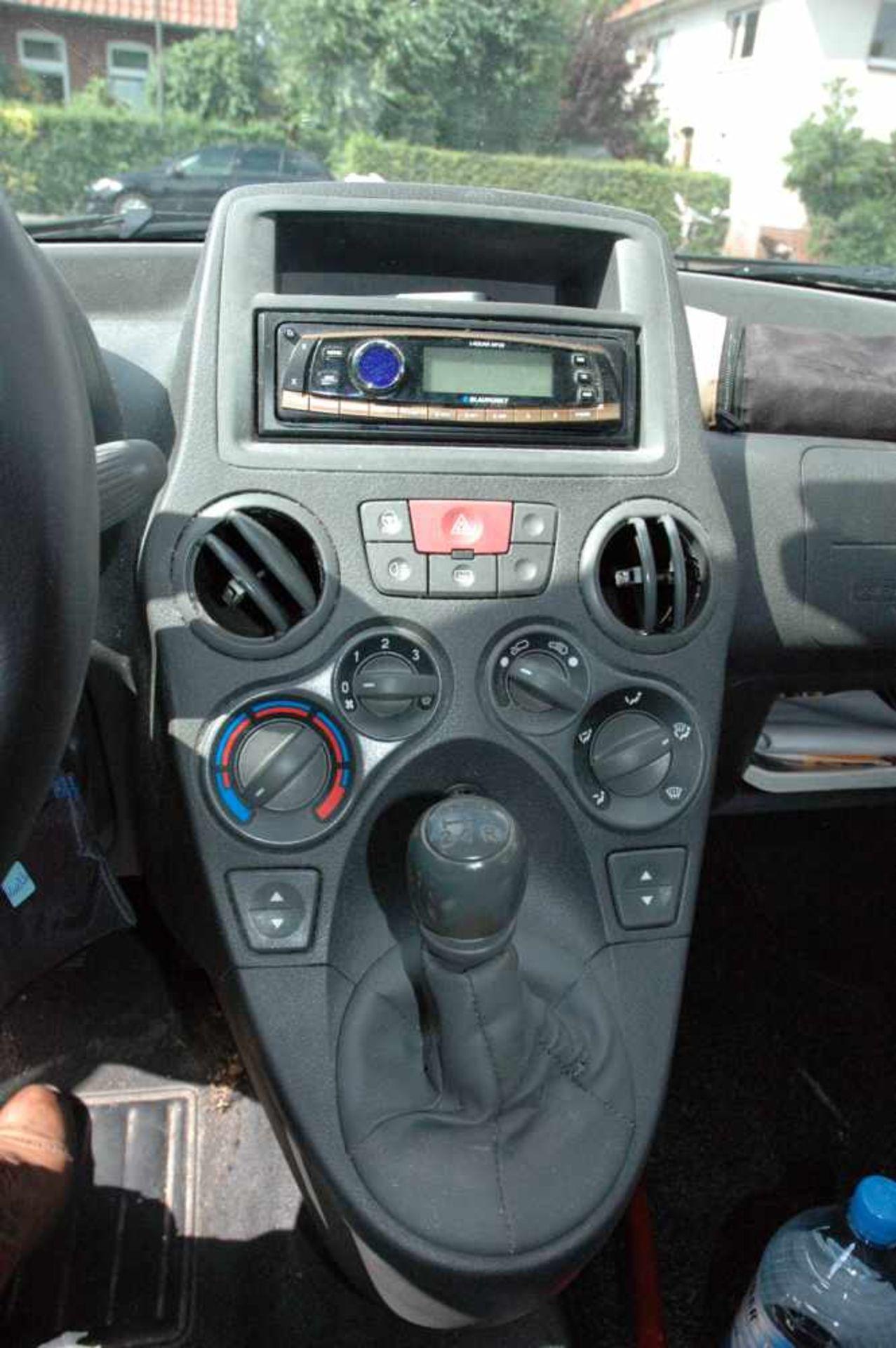 PKW, Fiat Panda, EZ 01.04.09, 40 kW, km-Stand: 130965m blau, TÜV 9/20, Benziner, Brief nicht - Bild 6 aus 9