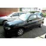 PKW, Renault Megane, EZ 06/99, schwarz