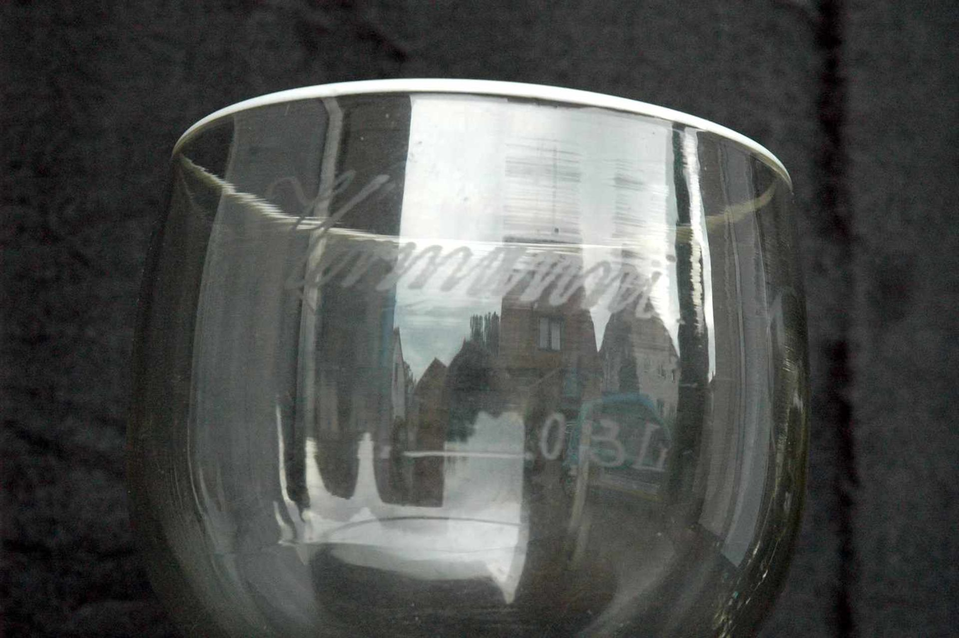 """Biedermeier-Glas: Berliner-Weiße-Glas, h= 21,5 cm, Dm. 12 cm, mit Eichstrich 0,3 l, """"Hermanni"""", - Bild 2 aus 3"""