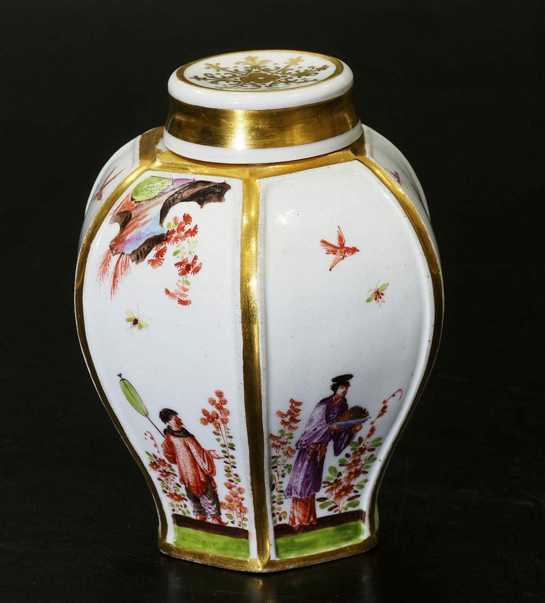 Teedose um 1725. MEISSEN. Teedose um 1725. MEISSEN. Balusterförmige Teedose in hexagonaler Form - Bild 4 aus 8