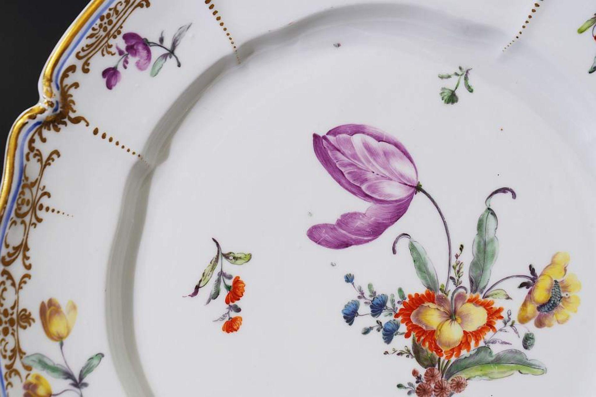 Zierteller. NYMPHENBURG 18. Jahrhundert. Zierteller. NYMPHENBURG 18. Jahrhundert. Teller aus dem - Bild 3 aus 6