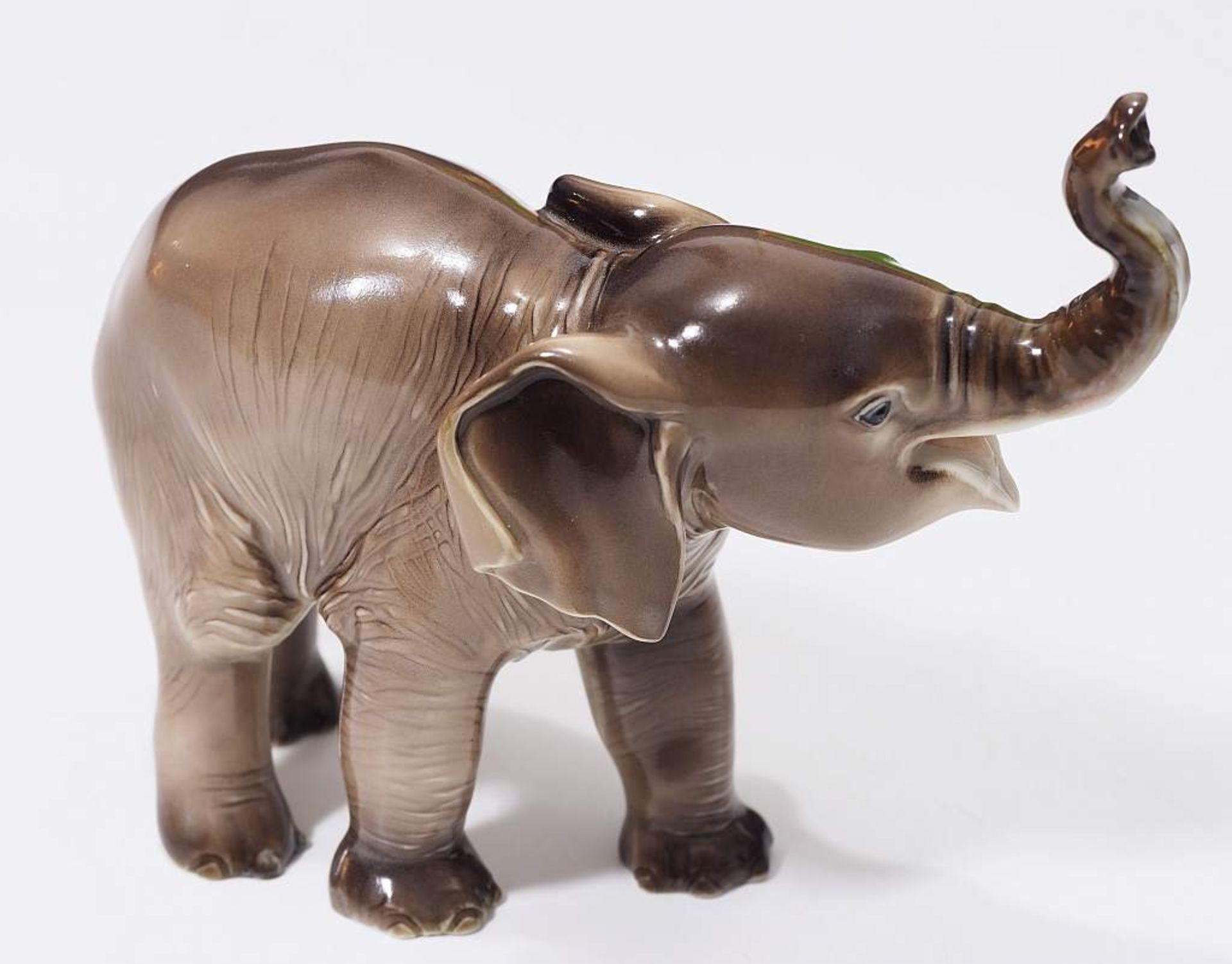 """Sehr seltene Tiefigur """"Elefant, trompetend"""", ALLACH. Sehr seltene Tiefigur """"Elefant, trompetend"""", - Bild 4 aus 12"""