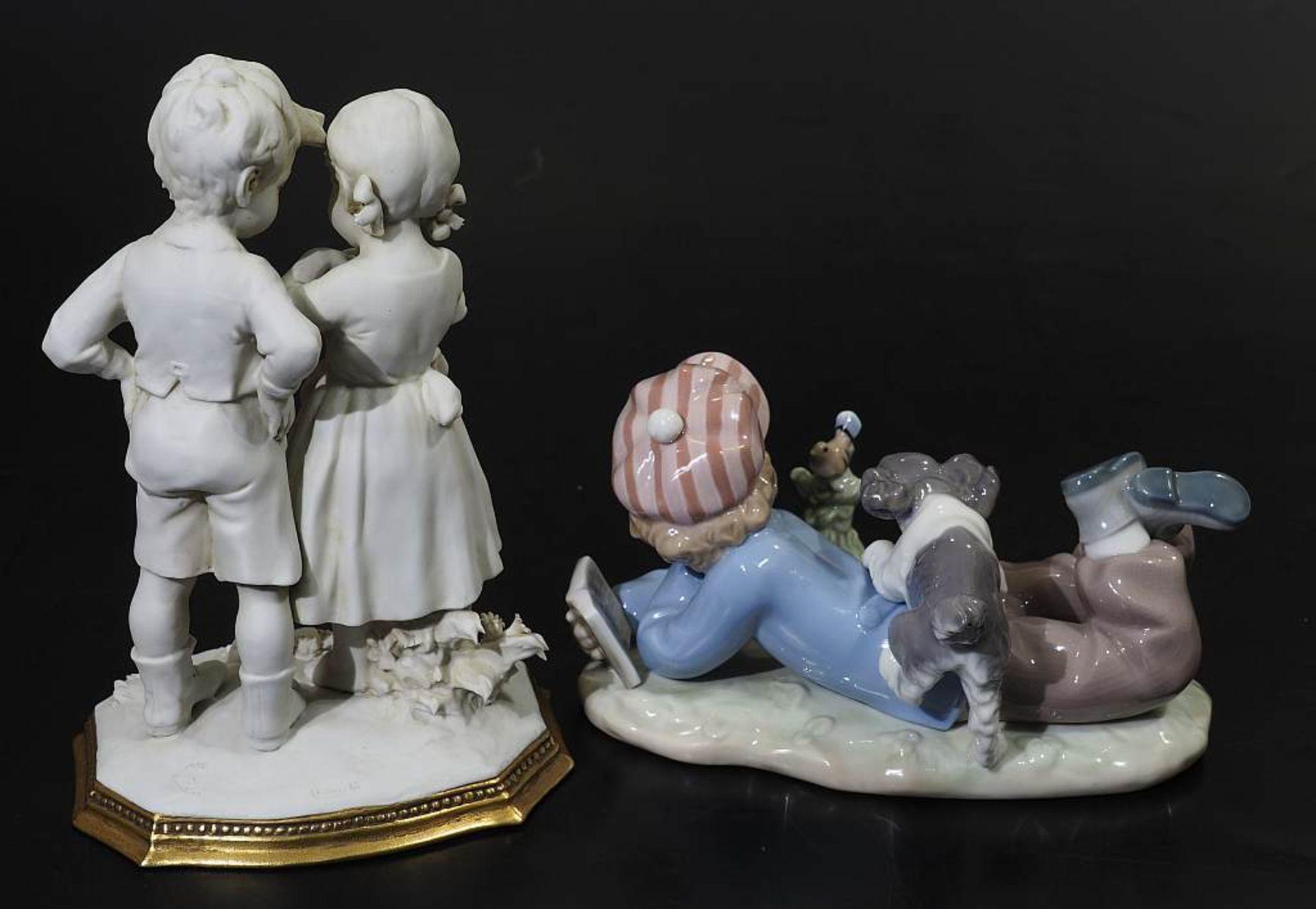 Zwei Kindenfiguren-Gruppen.Zwei Kindenfiguren-Gruppen. 1) Kindergruppe LLADRO/Spanien. Liegender - Bild 4 aus 4