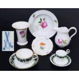 MEISSEN Konvolut, 6 Teile. MEISSEN Konvolut, 6 Teile: Im Einzelnen: 1) Teetasse und Untertasse in