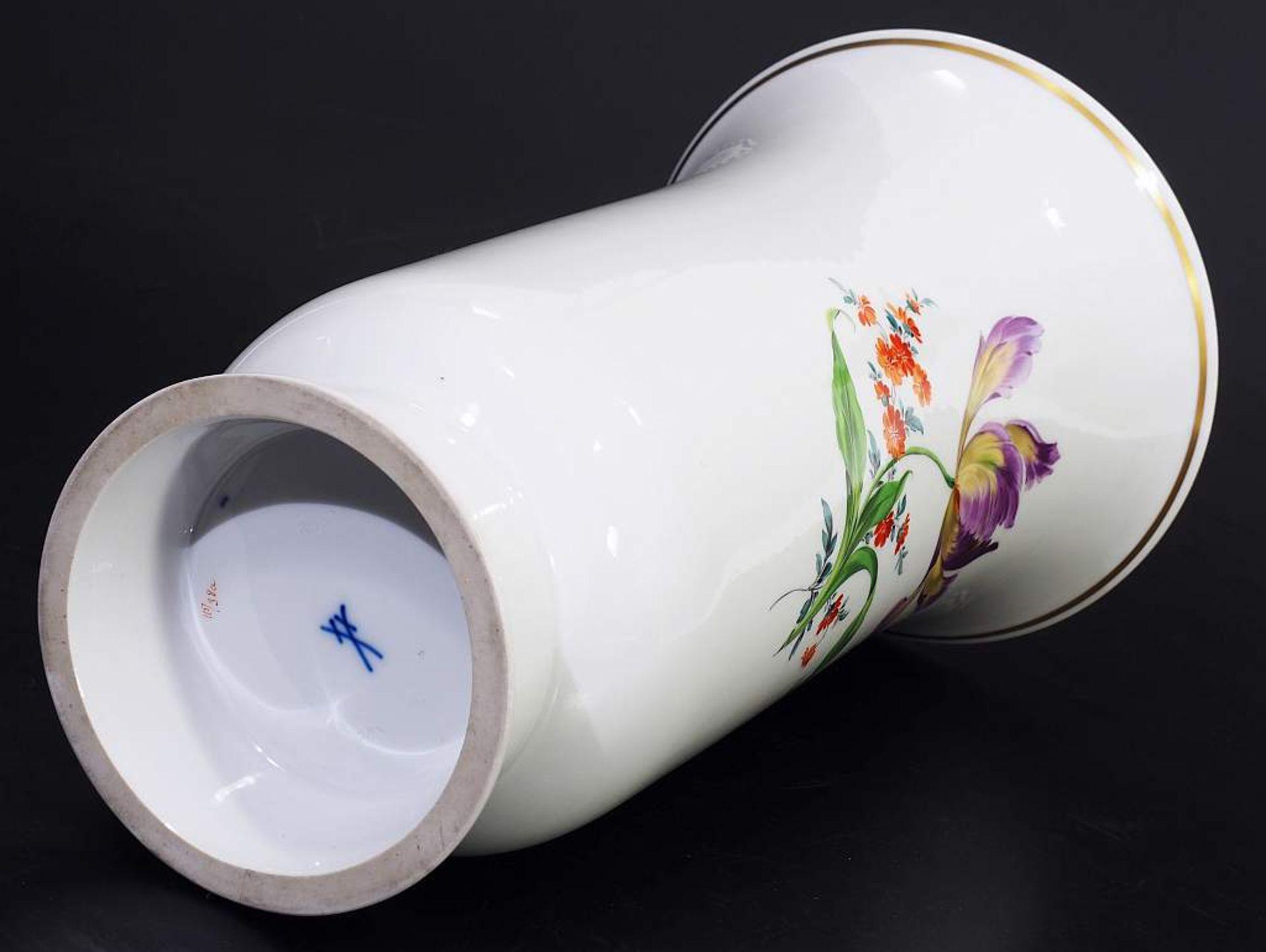 Los 17 - Große Art Déco-Vase. MEISSEN 1957 - 1972, 1. Wahl. Große Art Déco-Vase. MEISSEN 1957 - 1972, 1.