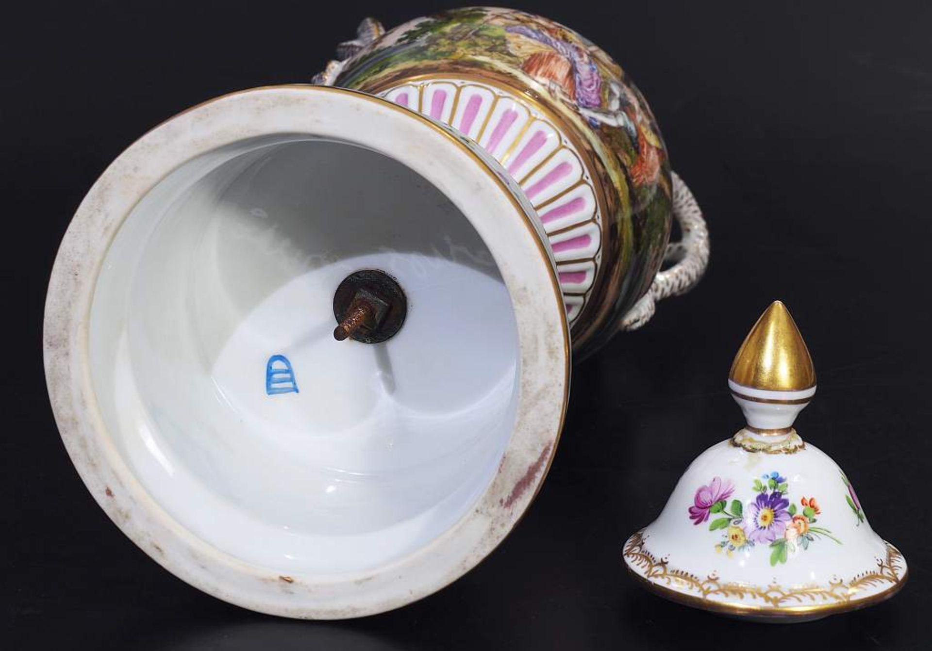 Los 11 - Schlangenhenkelvase mit Deckel. Schlangenhenkelvase mit Deckel. Georg LÖFFLER/Thüringen, Marke