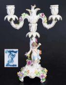 Figürlicher Kerzenleuchter. Figürlicher Kerzenleuchter. Sächsische Porzellanmanufaktur zu