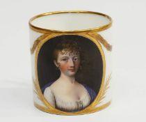 Biedermeier PorträttasseBiedermeier Porträttasse. Wohl Manufaktur GOTHA um 1810. Tasse in