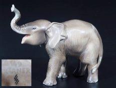 """Seltene Tierfigur """"Elefant, trompetend"""". ALLACH München. Sehr seltene Tiefigur """"Elefant,"""