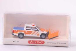 Wiking 031110 VW-Amarok, Winterdienst, neuwertig, OVP- - -20.00 % buyer's premium on the hammer