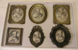 Herrscher Portraits, sechs Stück. Kupferstiche in Messingrähmchen. Durchmesser: 5 bis 7cm.